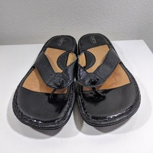 Born Women's US 10 EUR 42 Flip Flop Thong Sandals